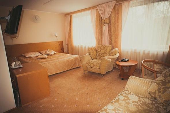 Отель Нефтяник, Сургут