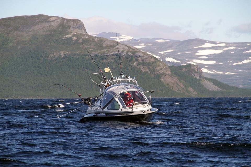 Рыболовные туры в Карелию: рыбалка на озерах Карелии и Белом море